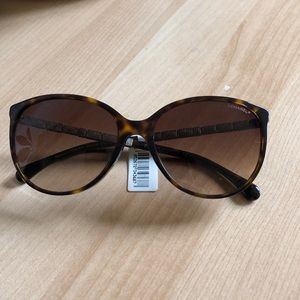 Chanel 5306B sunglasses
